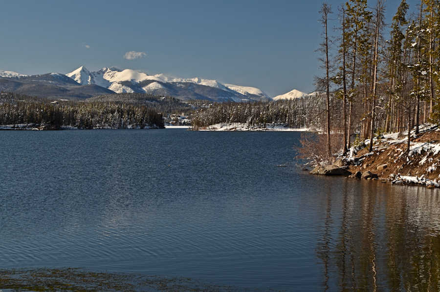 Home sites near shadow mountain lake fishing canal paved for Lake granby fishing report